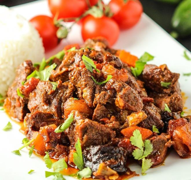 Moroccan Beef with Harissa and Fruit